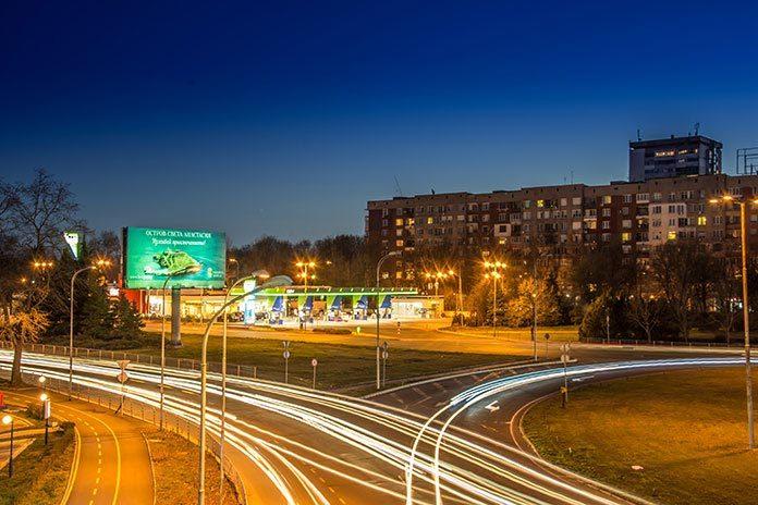 Jak przygotować reklamę wizerunkową na billboardach?