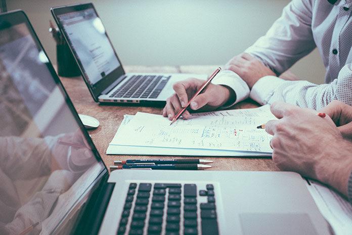 Kiedy warto skorzystać z usług konsultingowych?