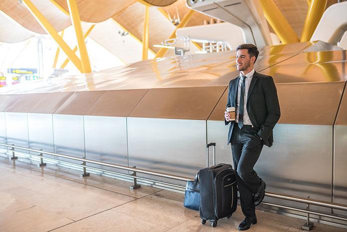 Plusy i minusy pracy za granicą
